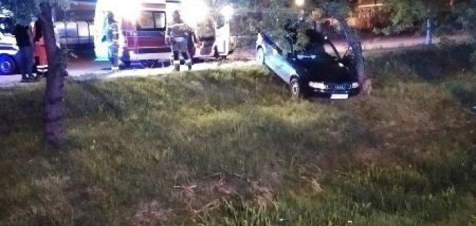 Artykuł: BRANIEWO - Audi uderzyło w drzewo!