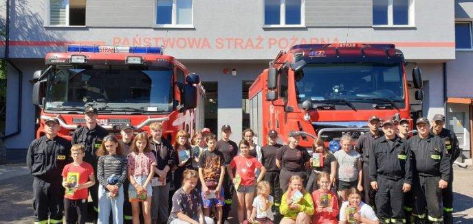 """Artykuł: """"Bezpieczne Wakacje"""" – spotkanie strażaków z najmłodszymi"""